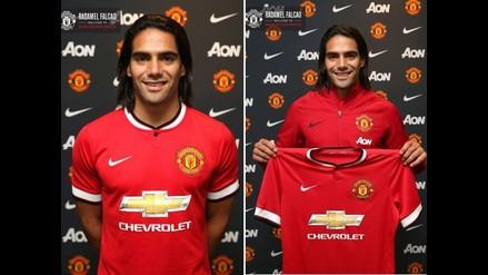 Radamel Falcao posó con la camiseta de Manchester United por primera vez