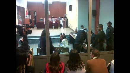Caso Fefer: Citan a fiscal por retener un documento importante