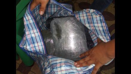 Arequipa: policía captura a turista canadiense con 3 kilos de droga