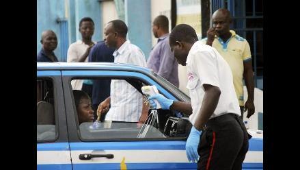 Aerolínea de Guinea Ecuatorial suspende vuelos a Camerún por el ébola