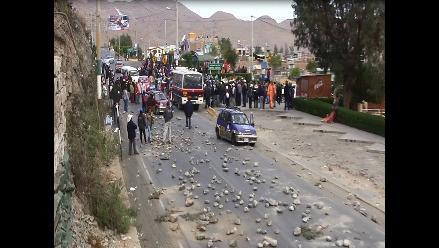 Arequipa: 5 detenidos y 3 heridos deja bloqueo de vía en Congata