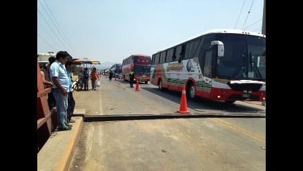 La Libertad: incrementa precio de pasaje por estado de puente Virú