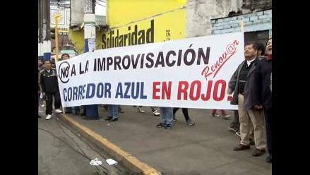 Apristas protestan contra el corredor azul en el Rímac