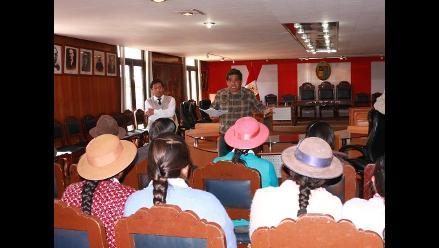 Huancayo: alcalde no deja el cargo para que regidor no lo asuma