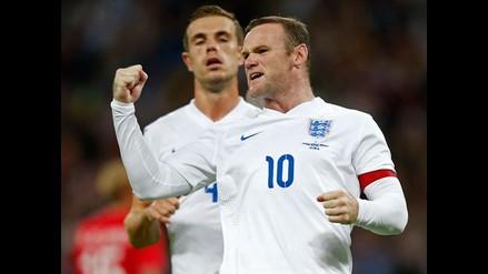 Inglaterra vence 1-0 a Noruega con un gol de penal de Wayne Rooney