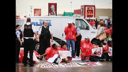 EEUU: Empleados de comida rápida protestan por mejores salarios