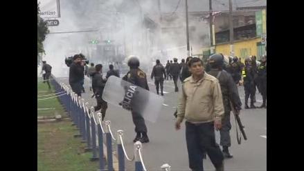 Rímac: Manifestantes se enfrentaron a la Policía
