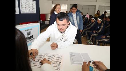 ONPE capacita a personas con discapacidad para elecciones