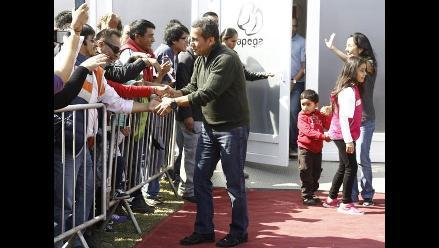 Presidente Ollanta Humala visitó en familia feria Mistura