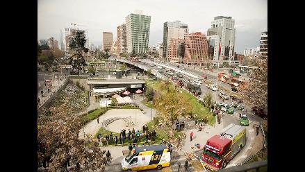 Chile: 150 mil personas pasan diariamente por el lugar de atentado