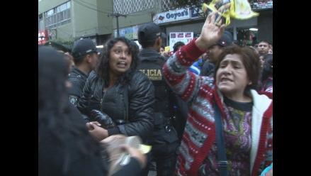 La Victoria: Choque verbal entre simpatizantes de Castañeda y Villarán