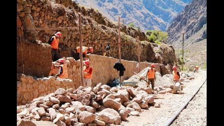 Cusco: destruyen muros incas en Ollantaytambo por construir vía
