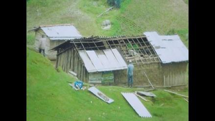 La Convención: fuertes vientos se llevaron techos de viviendas