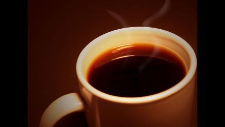 Consumo de café no influye en deshidratación de las personas, afirman