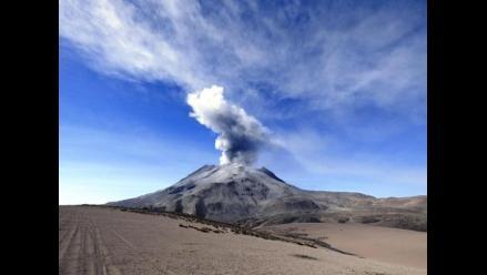 Explosión del Ubinas genera columna eruptiva de 3 500 metros