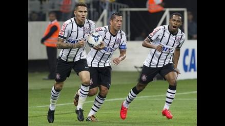 Paolo Guerrero jugó en victoria de Corinthians sobre Atlético Mineiro