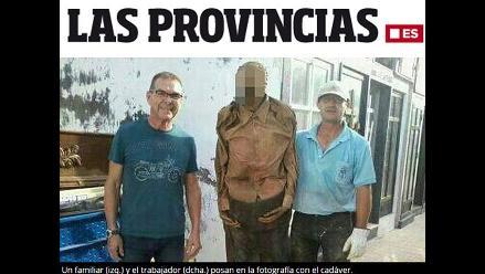 España: Sancionan a sepulturero por fotografiarse con un cadáver