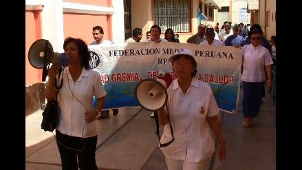 Lambayeque: acuerdan dejar sin efecto descuentos a médicos en huelga