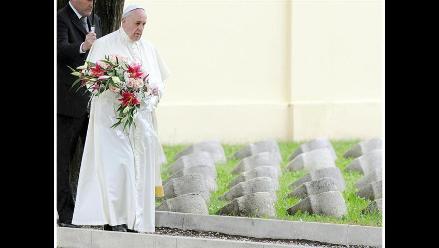 Papa advierte sobre una Tercera Guerra Mundial combatida