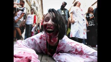 Cerca de cuatro mil zombies invaden las calles de Francia en el Zombie Walk