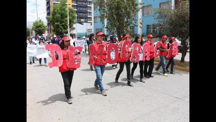 Huancayo: instituciones desfilaron por el Día de la Democracia