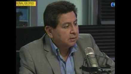 León admite relación ´profesional´ con empresa de Sánchez Paredes