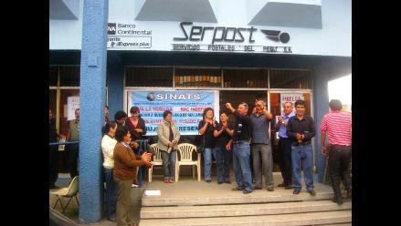 Trujillo: trabajadores de Serpost acatan huelga nacional indefinida