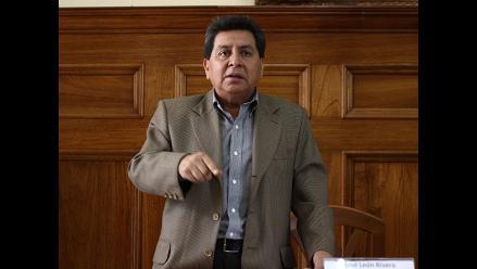 José León rechaza lo publicado por Caretas y niega vínculos con narco