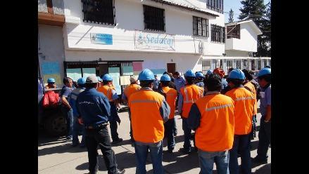 Cajamarca: trabajadores de Sedacaj realizan platón contra la corrupción