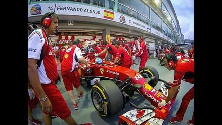F1: Alonso supera a Hamilton y Rosberg en el primer entrenamiento de Singapur