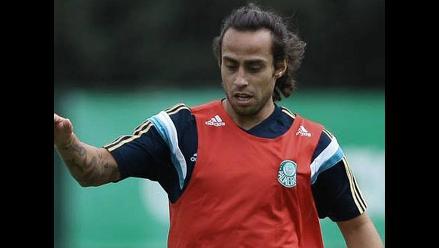 Jorge Valdivia puede recibir sanción de 12 fechas por pisar a un rival