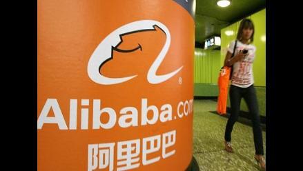 Acciones de Alibaba suben más de 40% en debut bursátil