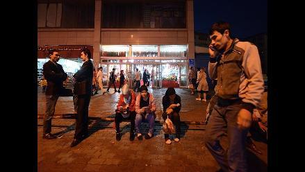 La primera acera para adictos a celulares genera polémica en China