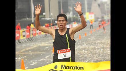 Willy Canchanya se lleva la 10K en la Maratón RPP Scotiabank 2014