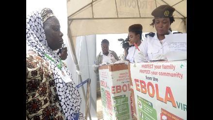 Cancelaciones de vuelos perjudican el control de la epidemia de ébola
