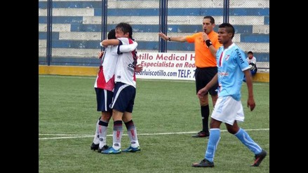 Deportivo Municipal aprovechó otra derrota de Alianza Universidad