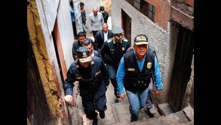 Cien policías trabajan en intervención en cerro San Cosme