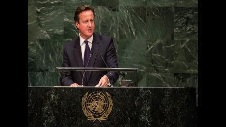 Cameron se disculpará ante reina por decir que ´ronroneó´ como un gato