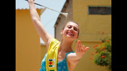 Reinas y waripoleras engalanan la Fiesta de la Primavera en Trujillo