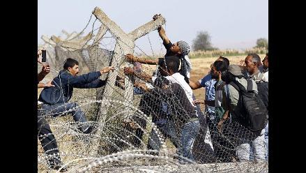 Refugiados sirios buscan desesperadamente asilo en Turquía