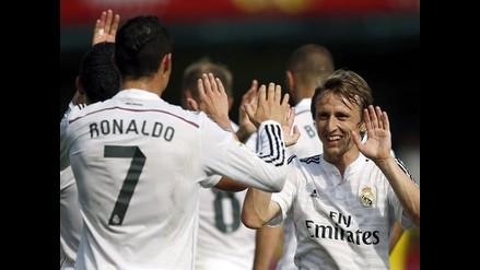 Real Madrid venció 2-0 a Villarreal con gran actuación de James y Cristiano