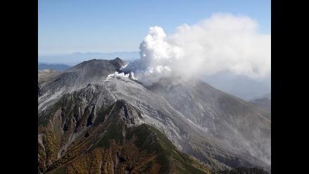 Monte Ontake de Japón hace erupción y ya lleva 36 muertos