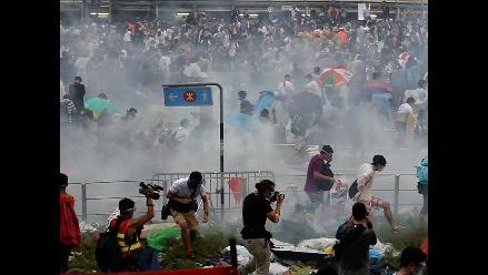 Violentas protestas: estudiantes reclaman democracia en Hong Kong