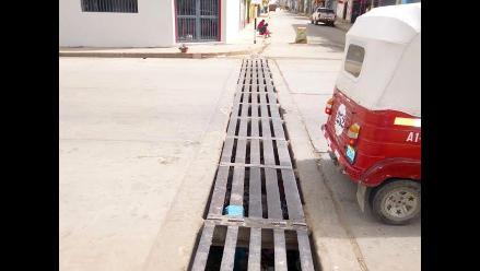 Andahuaylas: niña queda atrapada en parrilla de sistema de desagüe