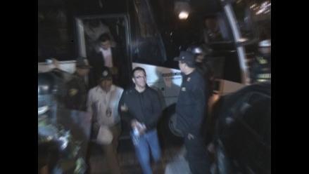 Sospechosa vinculada al alcalde de Chiclayo se entrega a la justicia