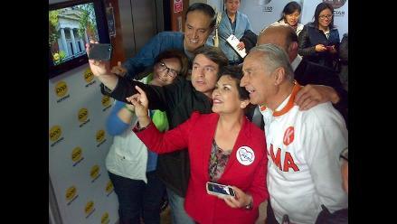 ´Selfie´ electoral: Candidatos de Lima se retratan antes de los comicios