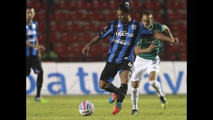 Querétaro con Ronaldinho perdió 2-1 ante León por la Liga mexicana