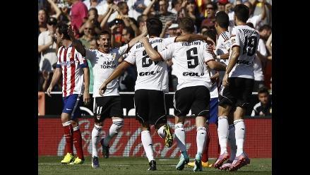 Valencia derrotó 3-1 al Atlético Madrid y es líder provisional en España