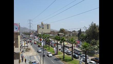 Caos vehicular a poco de cierre de votación en San Juan de Lurigancho