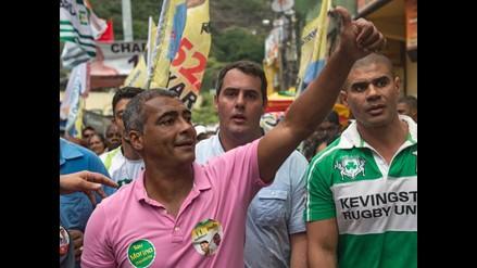 Exfutbolista Romario es elegido senador en Brasil, según encuesta